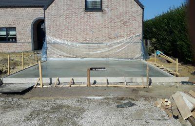 Beringe betonvloer storten en afwerken